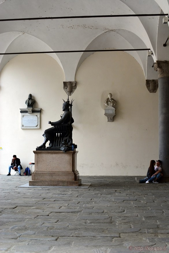 Lucca - Couple Under Porticos