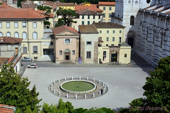 Lucca - Piazza Antelminelli