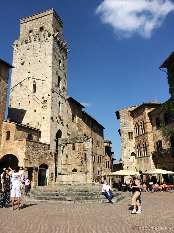 Piazza and Well in San Gimignano