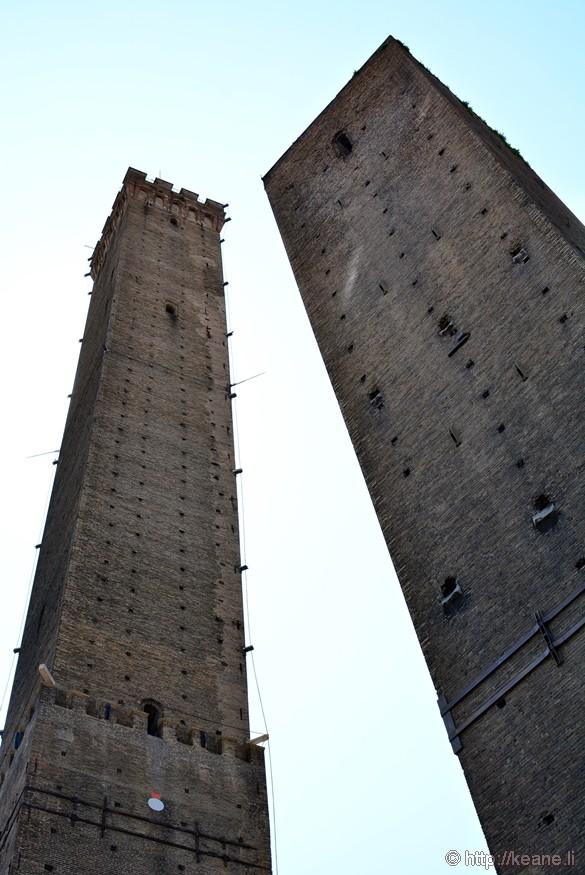 The Two Towers of Bologna - Garisenda e degli Asinelli