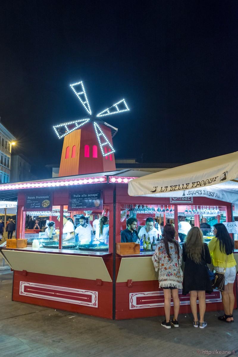 La Belle Epoque French Market in Piazza di Santa Maria Novella