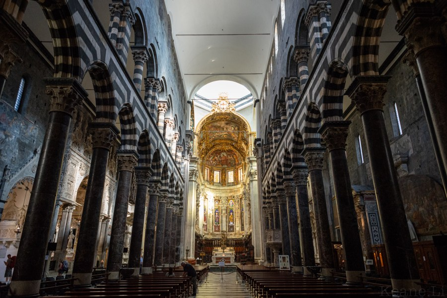 Inside the Cattedrale di San Lorenzo (Genoa Cathedral)