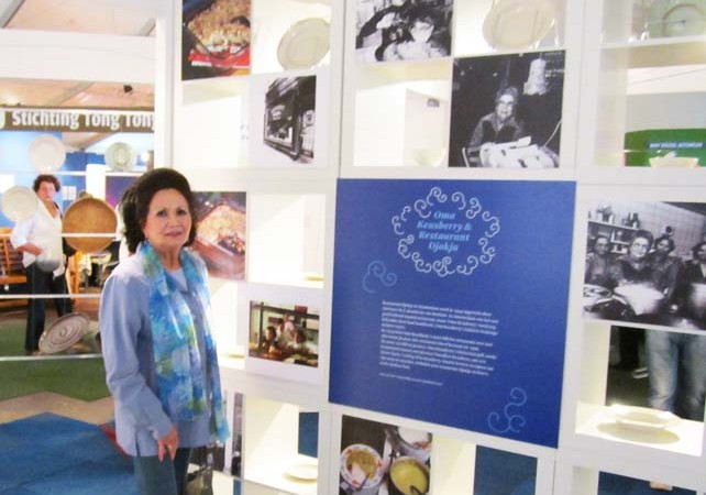 At the Tong Tong Fair exhibit about Indo-Dutch Cuisine with Jessy Chevallier, daughter in-law of Oma Keasberry and Chef at restaurant Djokja for more than 25 years.