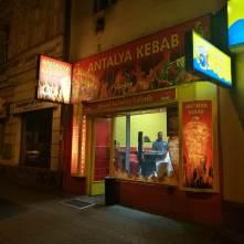 Noční exteriér - Antalya kebab Nusle