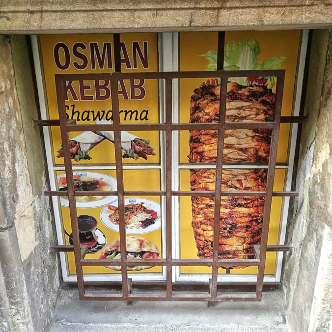 Sklepní výloha - Osman kebab, Praha