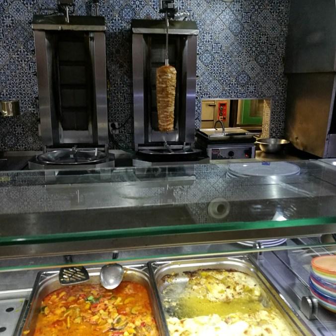 Maso za pultem - Osman kebab, Praha