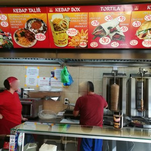 Obsluha v akci - Best kebab, Brno