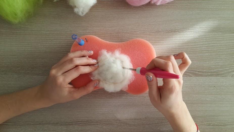 keçe iğneleme kedi topu yapımı