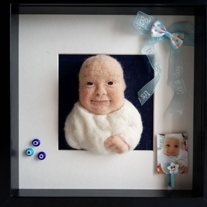 kişiye özel bebek çerçevesi yün figür pano