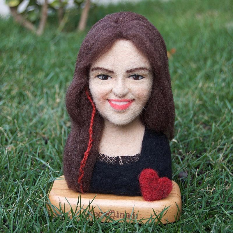 kişiye özel figür - yün vesikalık - needle felted custom doll - ooak doll