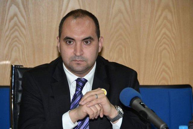 خالد ادنون يكتب: صراع الأدوار بين السياسي والإعلامي