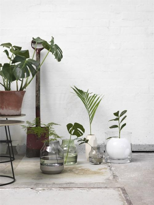 Muuto Elevated Vase Grey