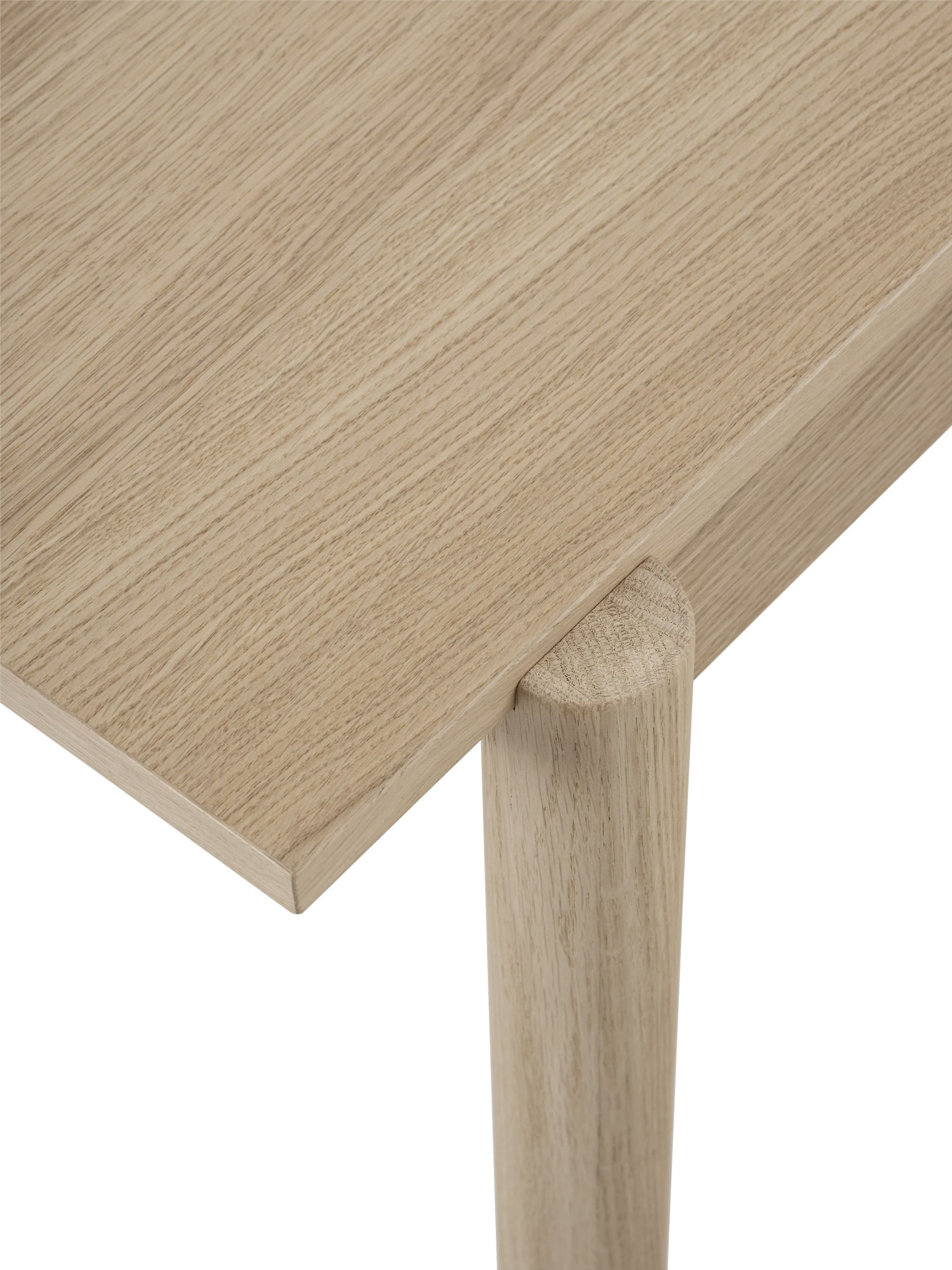 Muuto Linear Wood Table 260