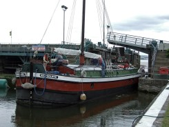 Southcliffe leaves the lock and makes way to her mooring
