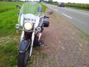 Kawasaki_VN900_front