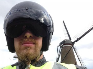 2014-10-autumn_ride_helm_windmill_800