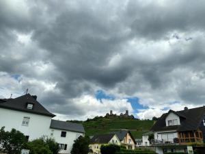 2016-07-moezel-castle