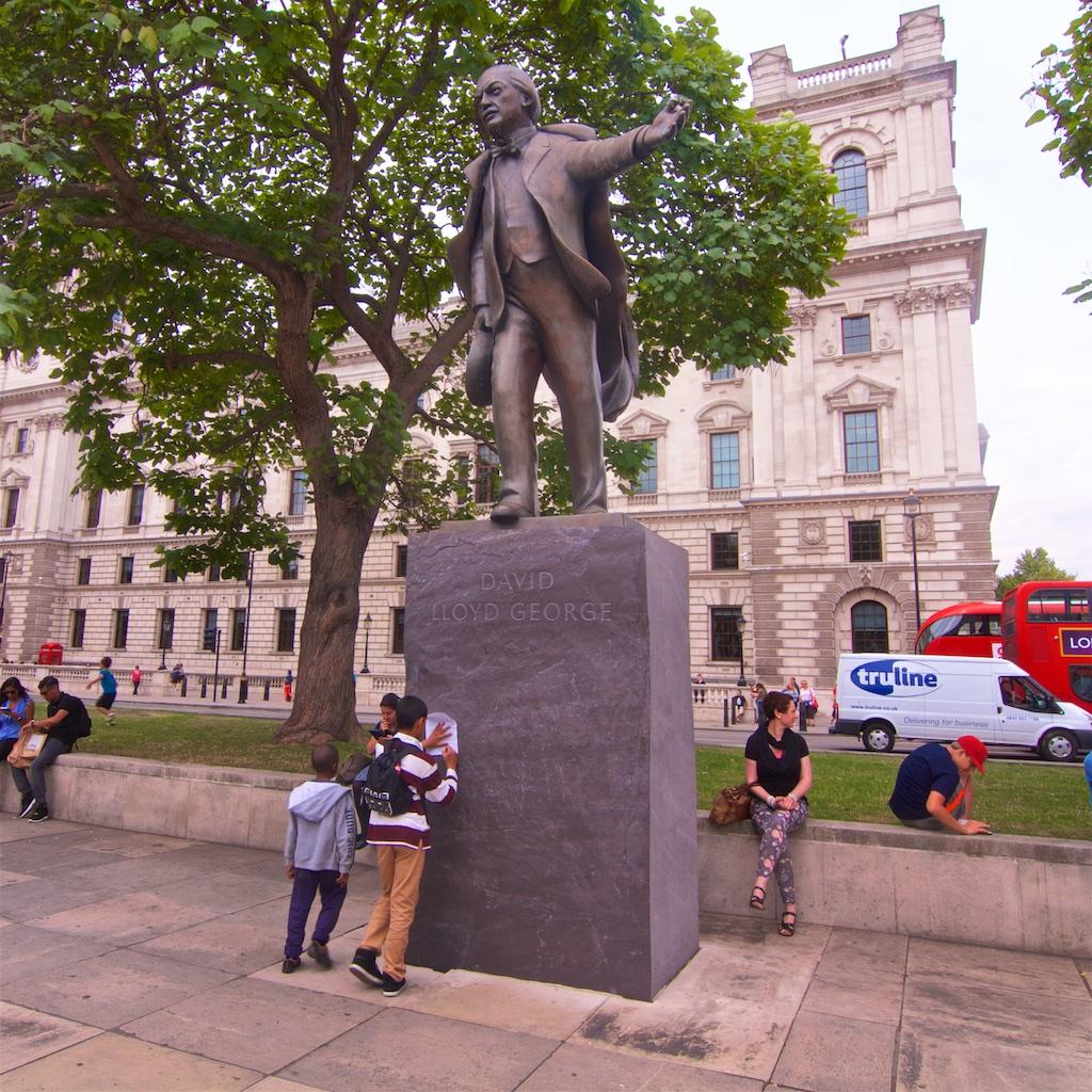 David Lloyd George Satue