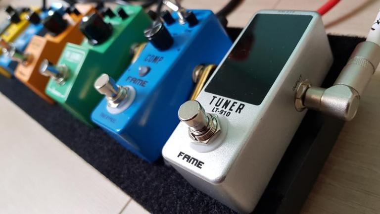 Review of affordable tuner pedals (and more)