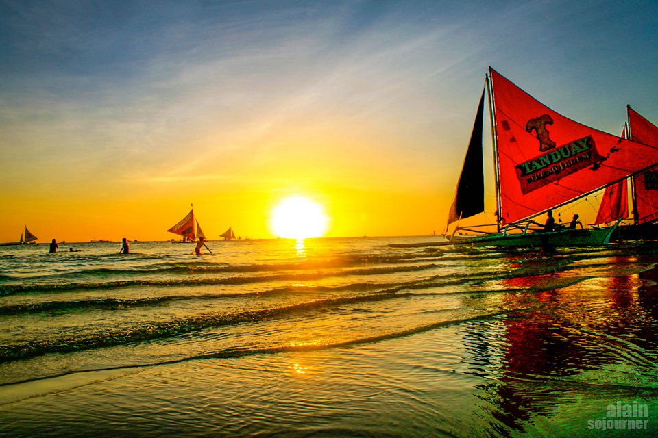 Sunset in Boracay is the best in the world.