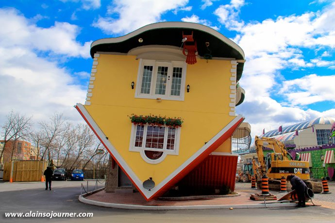 Niagara Upside Down House Patio