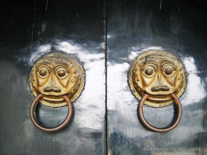 The beauty and charm of Chinese doors.