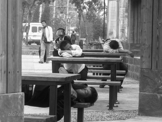 Life in China Outdoor Nappers Beijing 7