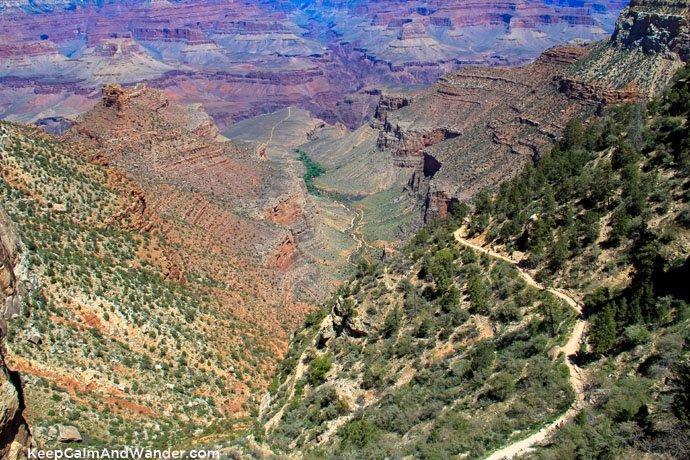 Recommended Hiking Trails at the Grand Canyon: Bright Angel Trailhead.