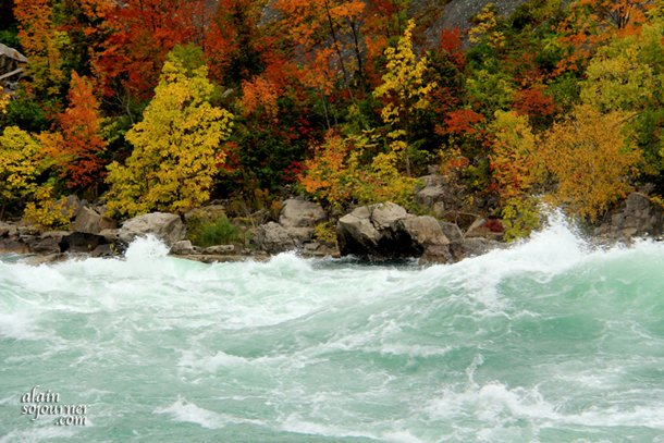 NIAGARA-FALLS-WHITE-WATER-WALK-6 (1)