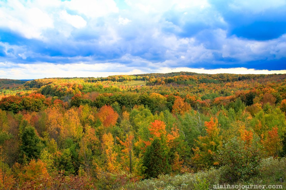 Fall Colours in Ontario Toronto Mono Cliffs Fall Colours in Mono Cliffs Toronto fall colourts