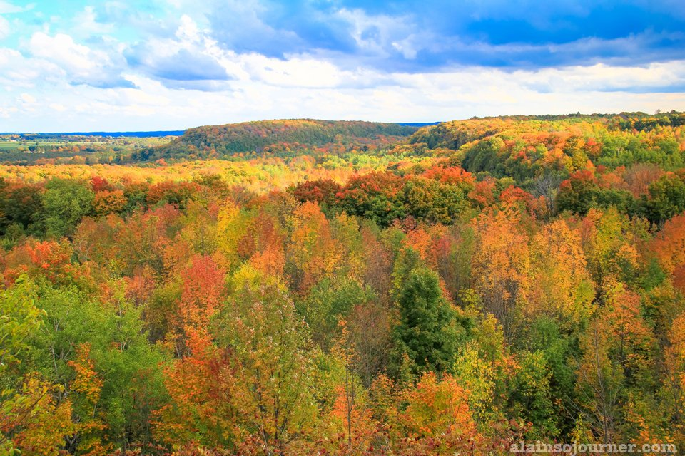 Fall Colours in Ontario Toronto Mono Cliffs