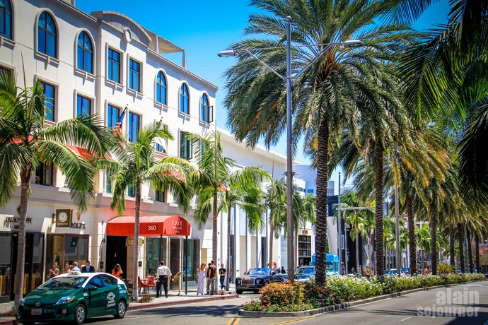 Rodeo Drive Beverly Hills is home to the Hollywood stars.