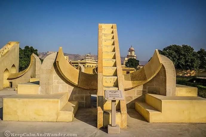 IMAGE(https://i1.wp.com/keepcalmandwander.com/wp-content/uploads/2017/03/Jantar-Mantar-Jaipur-India-4.jpg)