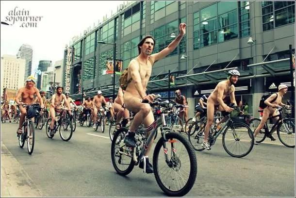 2011-World-Naked-Bike-Ride-Toronto-5