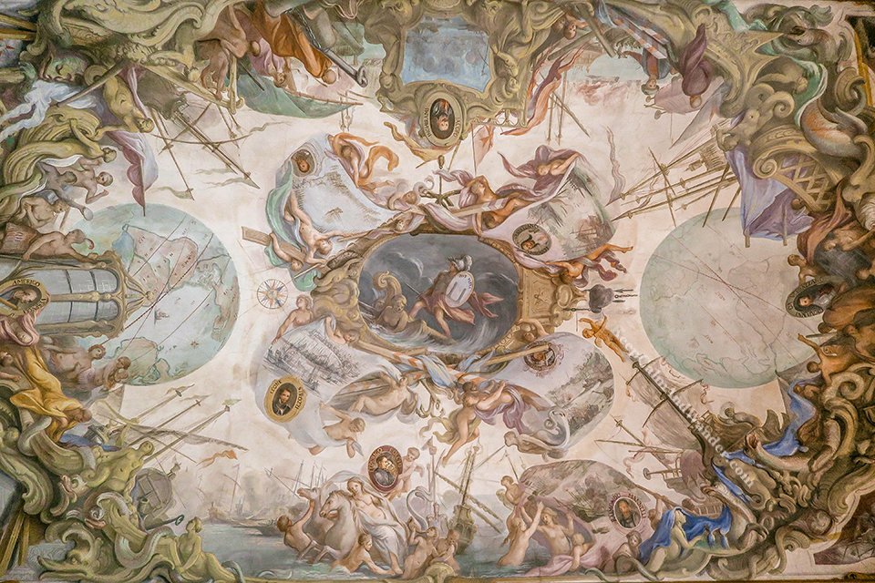 Photos: The Incredible Frescoes at Uffizi Gallery (Florence, Italy).