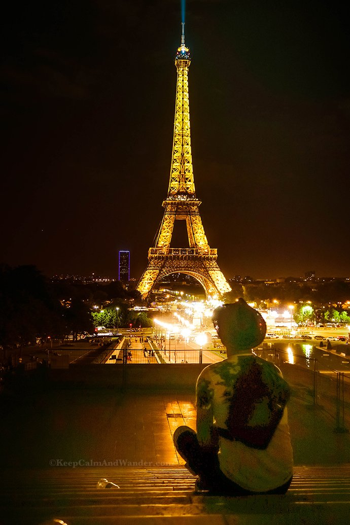 the eiffel tower at night is it really romantic. Black Bedroom Furniture Sets. Home Design Ideas