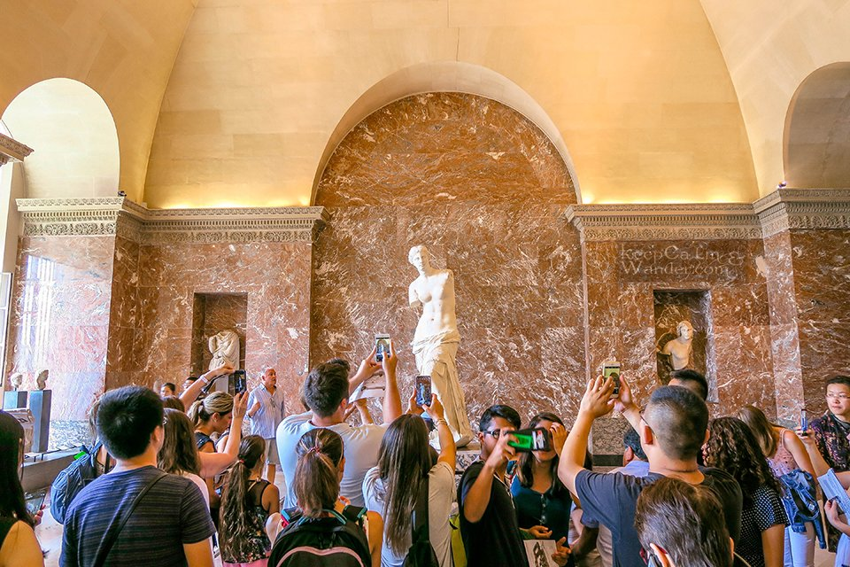 10 Masterpieces Not To Miss at Louvre Museum in Paris (France). Venus de Milo