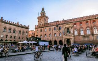 Travel Itinerary: A Day in Bologna (Piazza de Maggiore - Italy).