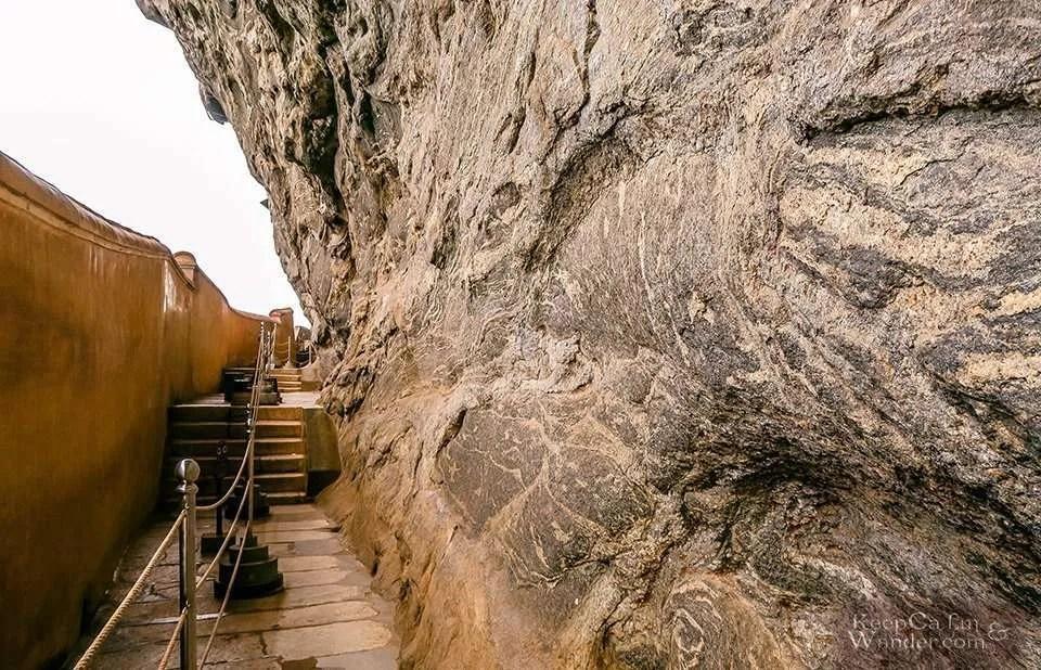 The Mirror Wall - The Lion Rock of Sigiriya is the Eight Natural Wonder of the World? (Sri Lanka)