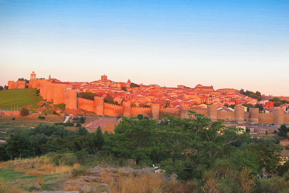 Travel Itinerary: A Day in Avila (Spain).