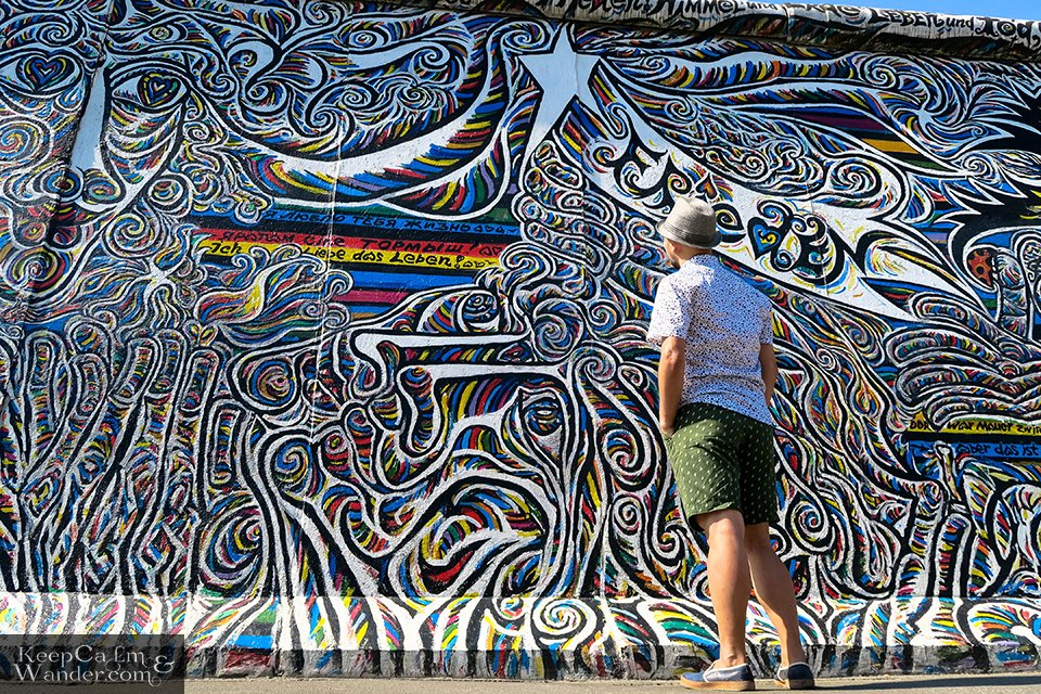 Travel Photo Blog The Murals on the East Side Gallery of the Berlin Wall (Germany).