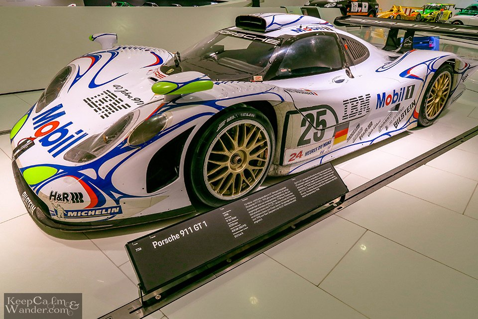 The Porsche 911 GT1 won the Le Mans 1998 Championship in France.