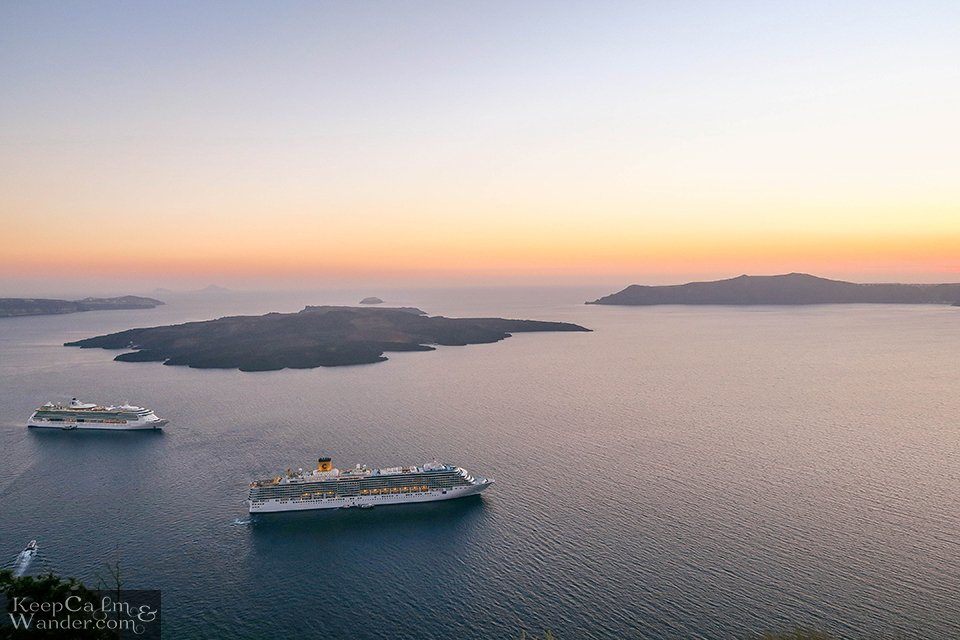 Sunsets cruise in Santorini (Greece).