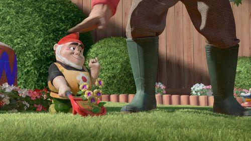 GNOMEO & JULIET Jason Statham