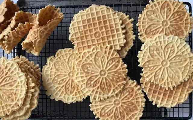 Italian Pizzelle Cookies