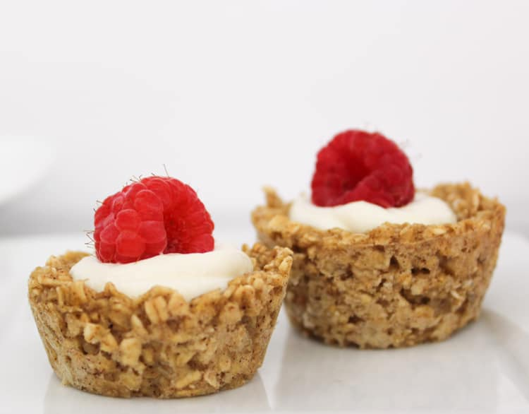 Baked Oatmeal Cups with Yogurt - WW (Weight Watchers)