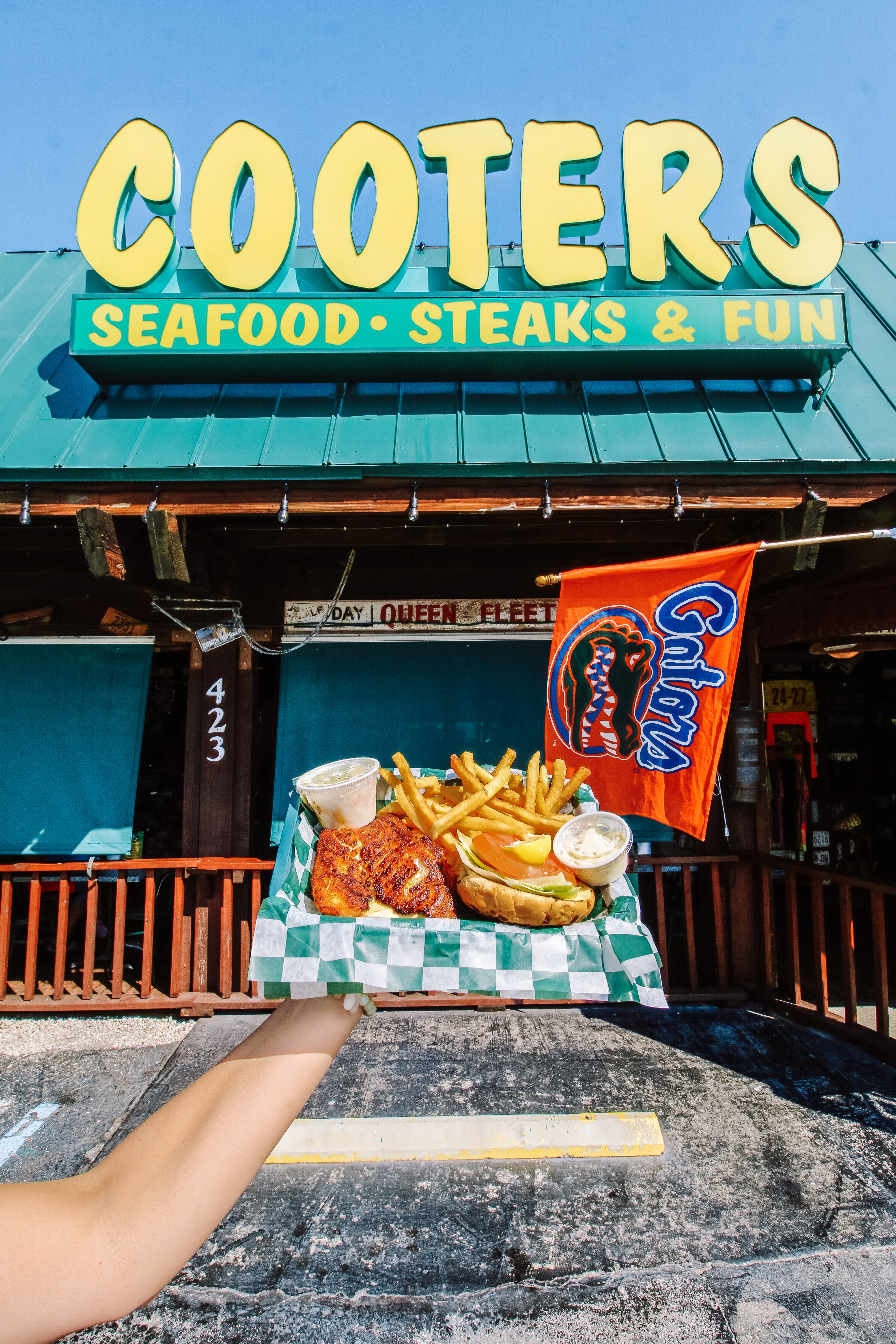 A review of Cooters Restaurant and Bar on Clearwater Beach in Florida
