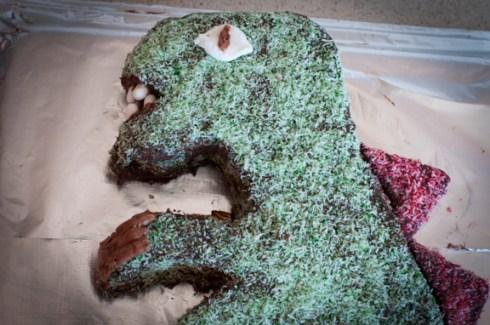 head close up for dinosaur cake