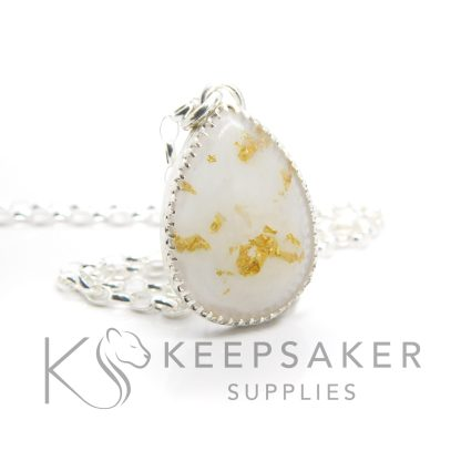 Breastmilk teardrop necklace with genuine 23ct gold leaf. Classic chain, scalloped setting
