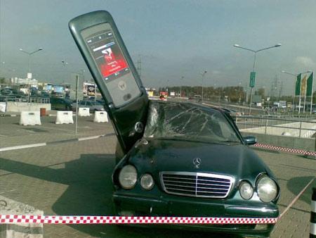 razr-crash.jpg